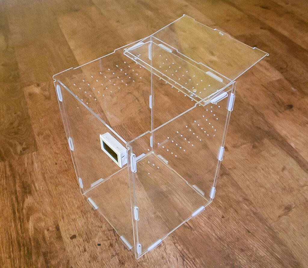 Acrylic Vivariums (Therma-Hygrometer/Top Opening Door)